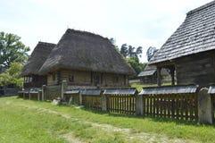Trähus i museum Arkivfoto