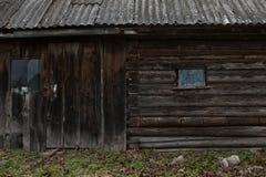 Trähus i Ryssland Arkivbilder