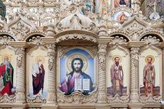 Träiconostatis av domkyrkan av frälsareomgestaltning i Pochayiv Lavra, Ukraina Royaltyfri Bild