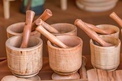 Träköksgeråd, i traditionell marknad arkivbilder