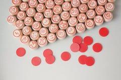 Träkaggar och chiper för en lek i en lotto Fotografering för Bildbyråer