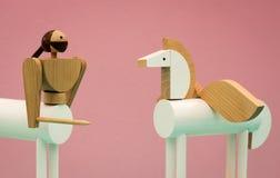 Träkentaur och pegasus leksaker Arkivfoton
