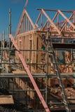 Träkonstruktion av privata hus som bygger i Nya Zeeland arkivfoto