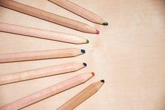 Träkulöra blyertspennor Royaltyfria Foton