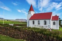 Träkyrka i den Glaumbaer lantgården i nordliga Island royaltyfri fotografi
