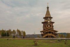Träkyrkan för traditionell ryss i den forntida Ryssland Royaltyfri Foto
