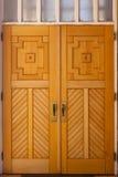 träkyrkliga dörrar Arkivbild
