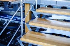 Trämoment för Aluminum stege royaltyfria foton