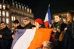 Tränga ihop att lyssna till anförande i mitt av Strasbourg Royaltyfri Fotografi