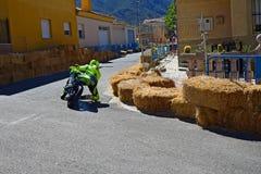 Tränga någon för Supermoto cykel Royaltyfri Fotografi