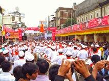 Trängt ihop under Ganesh Festival Royaltyfria Bilder