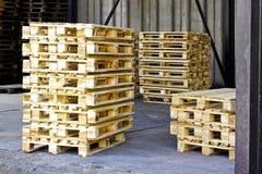 träpaletter Fotografering för Bildbyråer