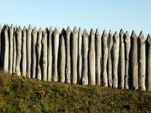 Träpalissad av det skyddande staketet Royaltyfri Bild