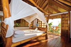 träperfekt seaview för bungalow Arkivbilder