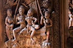 träsanning för thaila för pattaya fristadskulptur Royaltyfria Foton