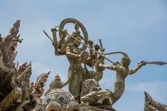 Träskulptur royaltyfria bilder