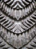 Träskulptur blom- prydnader Arkivfoto
