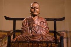 Träskulptur för buddistisk präst av Mondo Fukuoko i 1754 i Japan Royaltyfri Fotografi