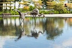 Träskulpturer av fåglar Arkivfoton