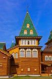 Träslott av tsar Alexey Mikhailovich i Kolomenskoe - Mosco Arkivfoton