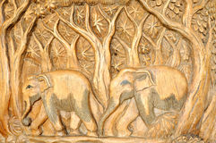 träsniden elefant Royaltyfri Bild