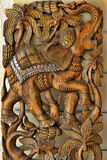 träsniden elefant Arkivfoton