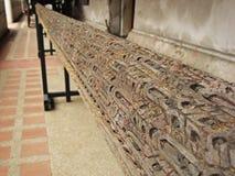 Träsniden kolonn Arkivbild