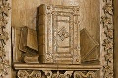 Träsnideri av bibeln Royaltyfria Foton