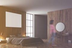 Träsovrumhörn, tonad grå färgsäng Fotografering för Bildbyråer