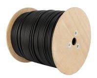 Träspolen av elektrisk kabel isolerade vit bakgrund royaltyfri foto