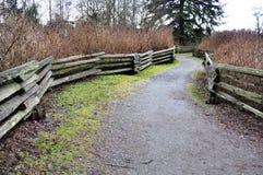 Trästaket i parken Royaltyfri Fotografi