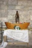 Träsvart Madonna kopia inom av basilikan av St-Saveur i Rocamadour fotografering för bildbyråer