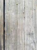 Trätextur splittrade bakgrund, closeup av tabellen utomhus vertikala plankor Yttersida har tre stora avsnitt royaltyfri bild