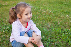 Träumen des kleinen Mädchens Stockbild