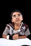Träumender indischer Junge stockfotos