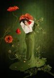 Träumendes Mädchen mit Mohnblumen Stockfotos