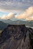 Träumerische von der LuftBerglandschaft des Britisch-Columbia Stockfotografie