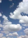 Träumerische Wolken Stockfoto