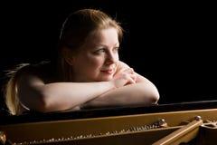 Träumerischer Pianist stockfotos