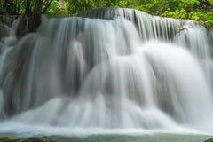 Träumerischer Wasserfall Thailand stockbilder