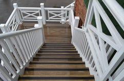 Träutvändig trappa Arkivbild