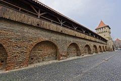 Trävallar av fästningväggen Sibiu Rumänien Royaltyfria Foton