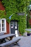 Träverk shoppar i Sverige Arkivfoton