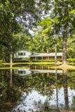 Trävillor för gammalt arv i Apalachicola, USA Royaltyfria Bilder