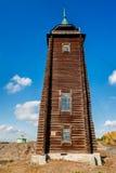 Träwatchtower, 19th århundrade n Sinyachikha Arkivbild