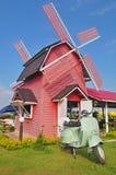 Träwindmillcafe Arkivbild