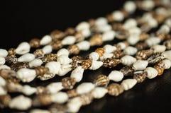 Trådar från färgglade cockleshells Royaltyfri Fotografi