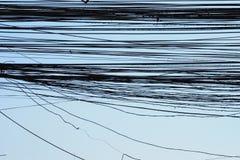 Trådar och blå himmel Royaltyfri Foto