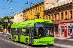 Trådbuss i Kaunas - Litauen Arkivbilder