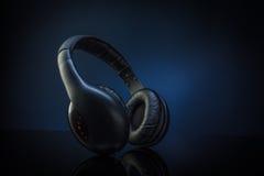 trådlös hörlurar Arkivfoto